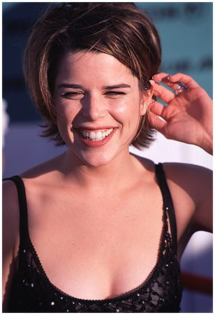 BabeStop - World's Largest Babe Site - neve_campbell003.jpg