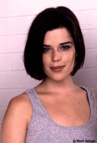 BabeStop - World's Largest Babe Site - neve_campbell057.jpg